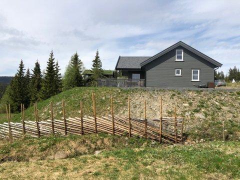Slike fyllinger vil ikke Gausdal kommune ha i hyttefeltene sine. I dette tilfelle blir det trolig en løsning der hytteeieren må redusere fyllinga med en halvmeter.