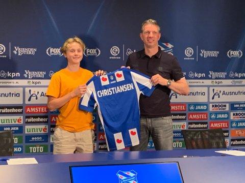 Fredag skrev 16-åringen Rasmus Opdal Christiansen fra Lillehammer under på en treårig ungdomskontrakt med den nederlandske storklubben SC Heerenveen.
