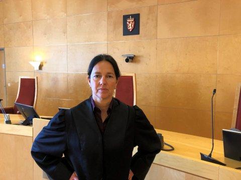 FORSVARER: Åse Berit Høistad Berger forsvarer mannen som er tiltalt for medvirkning til overgrep mot barn via internett. De vurderer å anke dommen fra Nord-Gudbrandsdal tingrett.