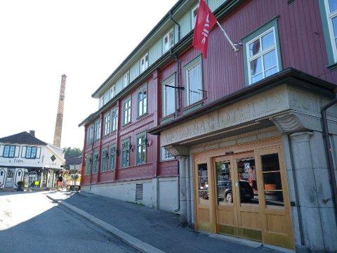 HOTELL: Scandic Victoria Lillehammer har satt ansatte i karantene etter å ha hatt besøk av reisefølget der 33 personer er bekreftet smittet av koronaviruset