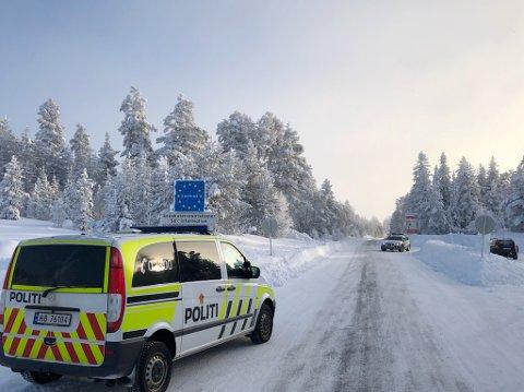 Politiet i Innlandet. har hittil i år tatt omtrent like mange for korona-lovbrudd som de gjorde i hele 2020. Flertallet er tatt under kontroll på grensa mot Sverige.
