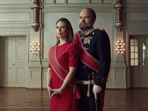 NYE UTFORDRINGER: Ine Jansen og Atle Antonsen som dronning Isabella og kong Johan i «Kjære landsmenn».