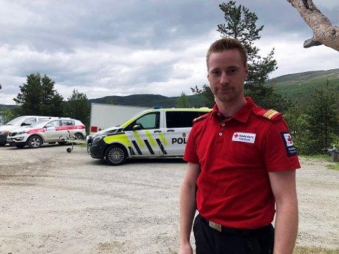 Knut Anders Saglien er aksjonsleder for Røde Kors Hjelpekors i Oppland. Han berømmer de frivillige som har deltatt i leteaksjonen som har pågått i over en uke.