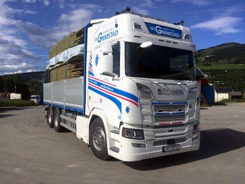 SPARER: Transportselskapet Sigurd og Ola Grimstad anslår at de vil spare en halv millioner kroner i året.
