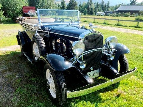 Jan Helge Kolås fra Vinstra selger sin Chevrolet Landau Phaeton 1932-modell, som han kjøpte i Amerika.
