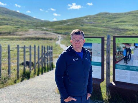 Dronepilot og leder for organisasjonen UAS Norway, Anders Martinsen, har undersøkt skilting og informasjon om droneforbud  i verneområder og nasjonalparker i Gudbrandsdalen.
