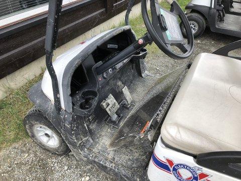 Golfbiler tilhørende Skei golfklubb ble vandalisert og tilgriset i natt.