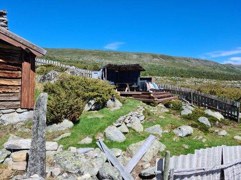 Nasjonalparkstyret for Reinheimen har slått fast at denne plattingen er ulovleg og skal rivast.