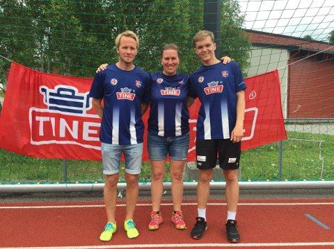 LEDERE: Stine Snellingen flankeres av Thomas Østerhus og Viktor Skuland.