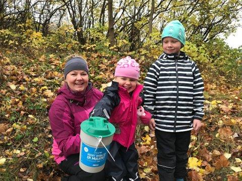 TUR: Inger, Sigrid (3) og Håkon (6) Greftegreff Frydenlund på årets viktigste rusletur.
