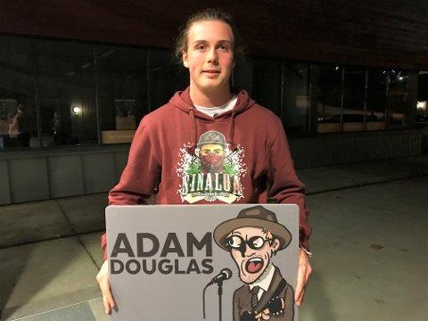 HEIET PÅ ADAM: Jon Peder Prestkvern var til stede i Hadeland kultursal og heiet på Adam.