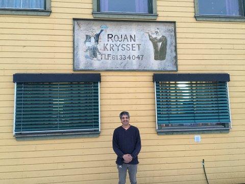 ROJAN: Amjid Hussain har drevet kroa «Rojan-krysset» i 16 år.