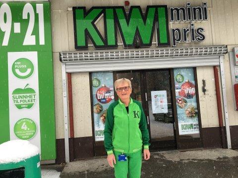 GODE ÅR: I disse dager er det 33 år siden Inger Johanne Haugsbakken hadde sin første arbeidsdag på Kiwi på Jaren.