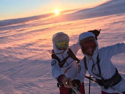 FLERE AMBISJONER: – Vi håper å være enda bedre venner når vi kommer i mål, sier svigerinnene Ann-Karin Huseby (29) og Hilde Hoff Nordskar (35).