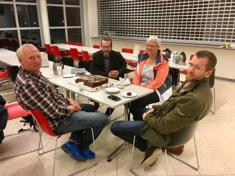 HAR PLANER: Styret i Meieributikken Lunner AS. Fra venstre sitter Rune Holth, Bjørn Haugen Morstad, Gerd Gjørvad Haga og Halvor Molden.