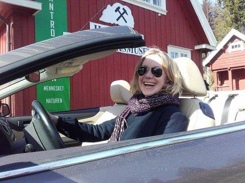 BÅNN GASS: Det skal ikke mer til for å overbevise innbitte privatbilmotstandere enn en bil med seks gir uten tak.
