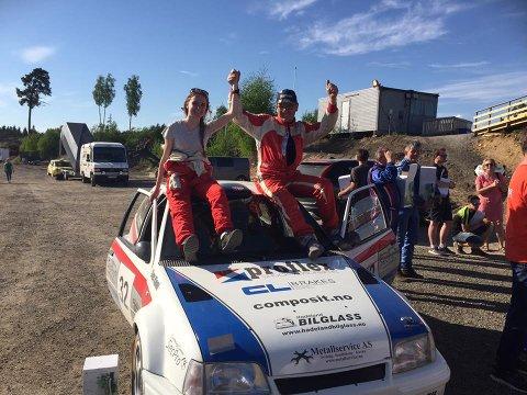 VANT: Lars Morten Berntsen med kartleser Anita Hvambsahl slo alle konkurrentene under rallysprinten på Gardemoen.