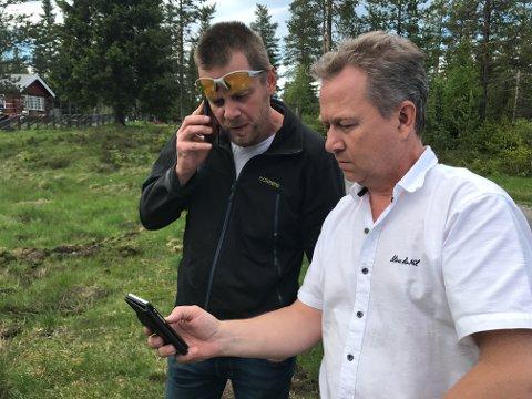 Jon Petter Bergsrud (t.v.) fra SNO sammen med Kjetil Ulset i Gran Saubeitelag.