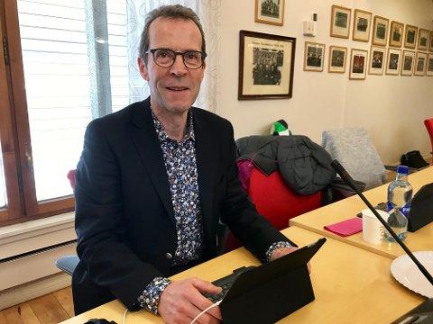 NY LEDER: Bjørn Haugen Morstad tar over jobben som daglig leder i Sparebankstiftelsen Jevnaker Lunner Nittedal, etter Magnus Magnussen.