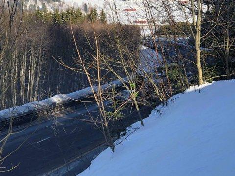 KØ: Det dannet seg kø etter ulykken.