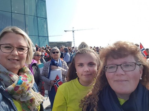 STOR OPPLEVELSE: Linda Moksnes fra Jaren hadde tatt turen sammen med Henriette Nymoen Lillestøl og Inger Mette Lillestøl Nymoen.