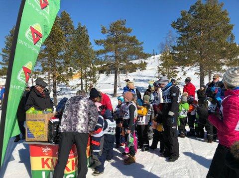 STORT OPPMØTE: Akefest på Lygna påskeaften trakk over 100 deltagere.