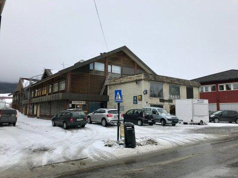 KREVER HANDLING: Nå krever Gran kommune at dette bygget skal være rehabilitert eller revet innen 15. juni.