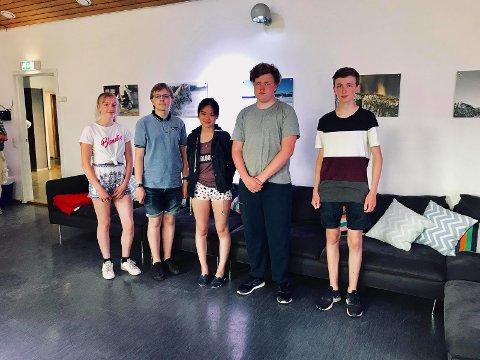 Fotografspirer: Fra venstre Ingrid Nordli (15), Christian Meland (15), Ina Jin Stensrud (14), Truls Gillebo (16) og Mats Nordvik (16).