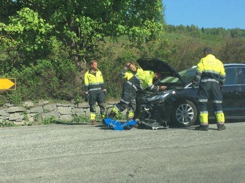 PÅ PLASS: Nødetatene var på plass ved ulykkesstedet.