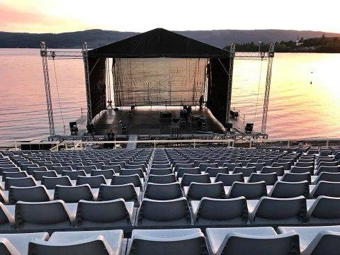 På denne scenen ved Ulsnestangen er det konserter fredag, lørdag og søndag.