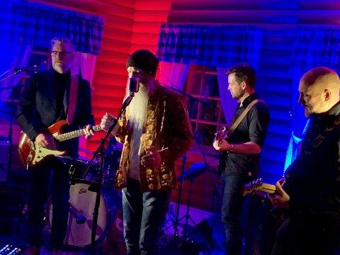 LOKALT: T. Hvinden Band spilte på juleblues.