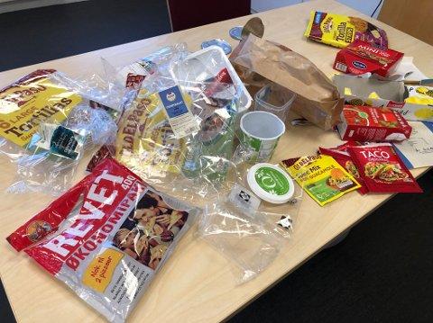 ETT MÅLTID: Det blir mye søppel av å spise taco.