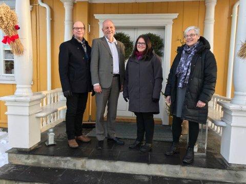 På veg inn: Ketil Kjenseth (V), Morten Ørsal Johansen (Frp), Kari-Anne Jønnes (H) og Jytte Sonne (KrF).