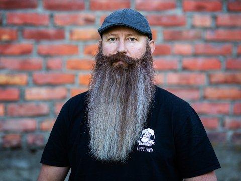 POSTKASSA: Dette bildet ble sendt inn i forkant av NM i skjegg, for å sikre deltakelsen. Man kan si at Lars Sivesindtajet sendte skjegget i postkassa.