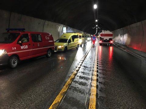 Øvelse: 23. oktober stenger Lunnertunnelen for øvelse på brann i tunnel. Bildet er hentet fra en tidligere øvelse.