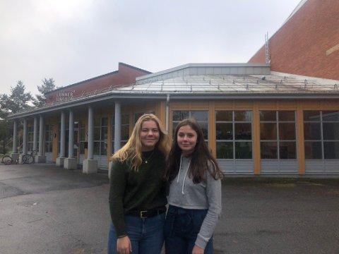 KURS: Ingrid og Kristine gleder seg til kursene de skal gjennom, men aller mest til selve konfirmasjonsdagen.