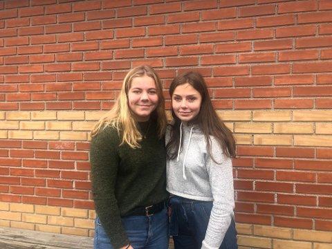 FORNØYDE: Ingrid og Kristine er begge fornøyde med valgene de har tatt, selvom venninnene ikke får konfirmert seg sammen.