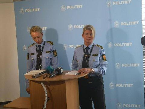 MØTTE PRESSEN: Linn Hilde Fosso (t.h) informerte pressen om at mannen som er siktet for drapsforsøk på Kapp er far til det 15-årige offeret.