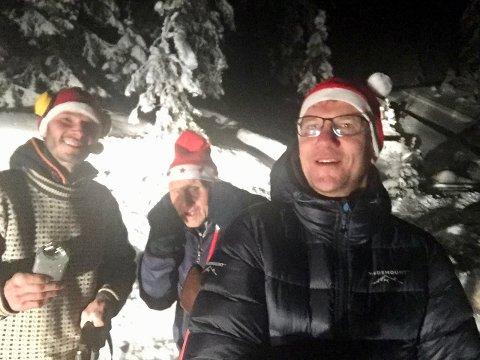 PÅ JULETREJAKT: Anton Ruud, Ole Andreas Lillemoen og Ole Gulbrand Rudsengen til skogs.