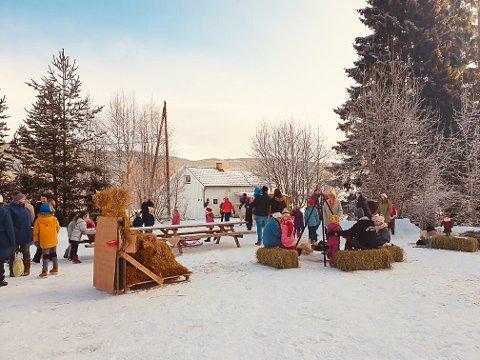 MARKED PÅ HARESTUA: Fra julemarkedet ved Gamleskolen på Harestua.