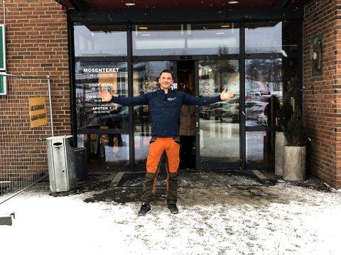 SATSER: Nils Arne Morka satser på Mosenteret. Neste høst åpner han en ny og større sportsbutikk.