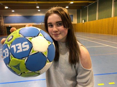 KRUTT: – Hardt skudd har alltid vært min styrke på håndballbanen, sier Frida Mortensen Johansen.
