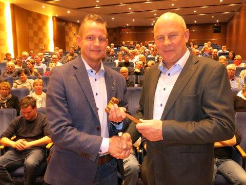 NY LEDER: Arild Olsbakk (til venstre) overtar lederklubba i NLF Innlandet etter Odd Haakenstad.