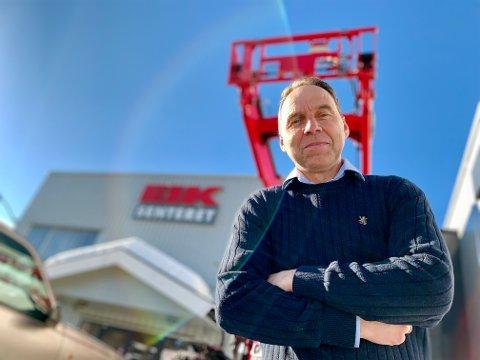 BEST I LANDET: Eiksenteret Gran har størst markedsandel i landet på Massey Ferguson-traktorer. Det er daglig leder Tore Stenbråten glad for.