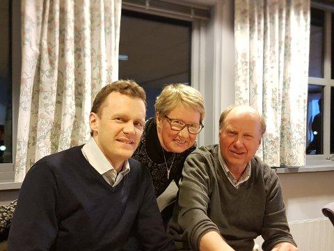 KLARE: Pål Arne Oulie,Anne Margrethe Knarud og Asmund Johnsrud er klare for landsmøtet i Senterpartiet.