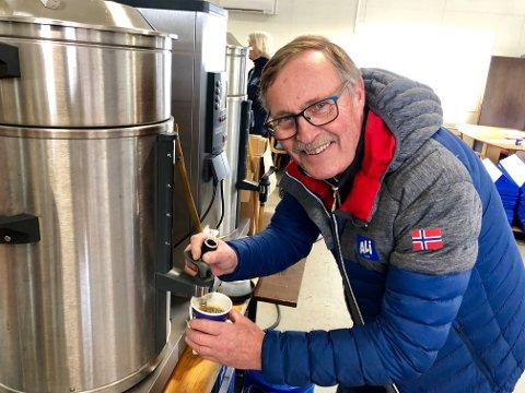 KAFFE: Rune Segerblad produserer 2000 liter kaffe under NM.