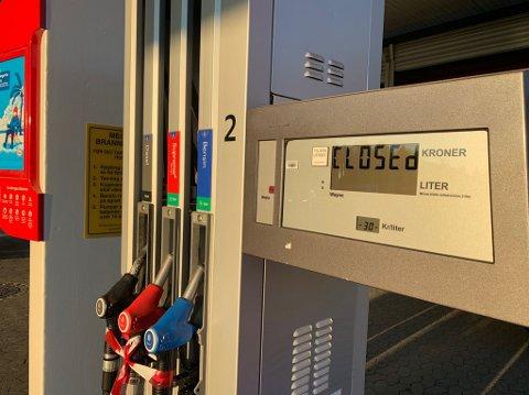 TOMT: Det er tomt for diesel på pumpene ved Esso Jaren.