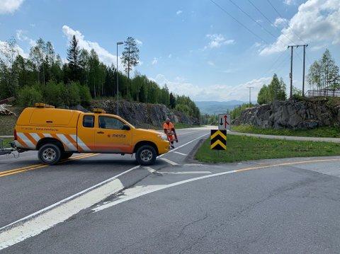 VEGEN ÅPEN: Vegen ble åpnet igjen fem timer etter ulykken.