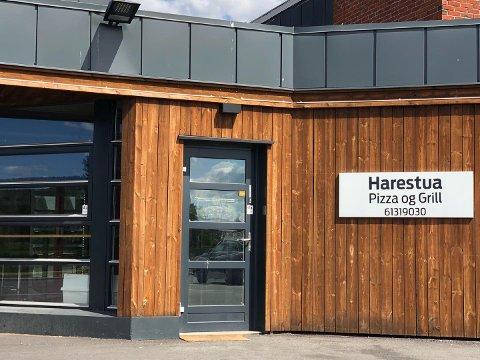 MANGE KRAV: Besøk fra Mattilsynet førte til mange krav mot Harestua Pizza og Grill. Ikke alle ble etterfulgt, og nå er nye drivere i ferd med å overta.