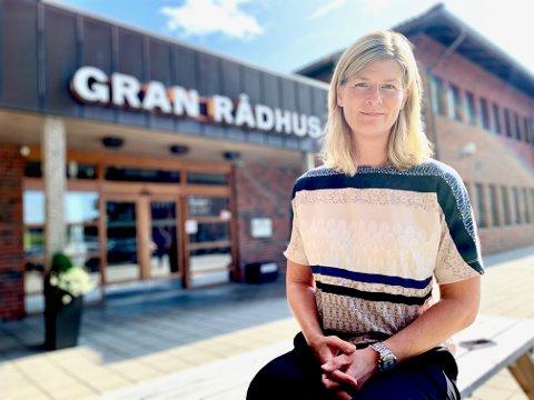 SLUTTER: Hege Nyhus gir seg som HR-sjef i Gran kommune.